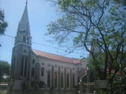 Lupit Church, building as seen from the side